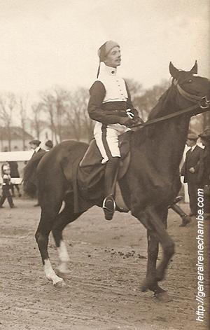 René Chambe - 10e hussards - Saumur Mi-carême 1913.jpg