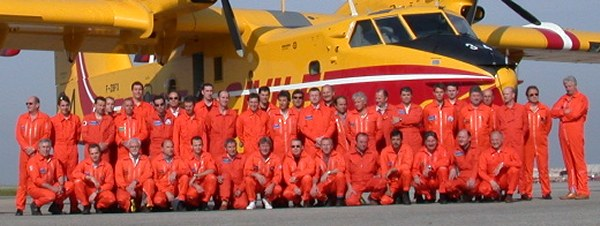 René Chambe - Equipages Canadairs 415 en 2005.jpg